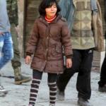 Χαλέπι: Ξεραίνουν ψωμί για να γλυτώσουν από την πείνα