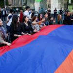 Αρμενία: Στα μπλόκα οι υποστηρικτές του Πασινιάν – βαθαίνει η πολιτική κρίση