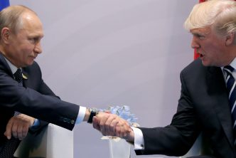 Η προηγούμενη πριν από το Ελσίνκι συνάντηση Τραμπ-Πούτιν
